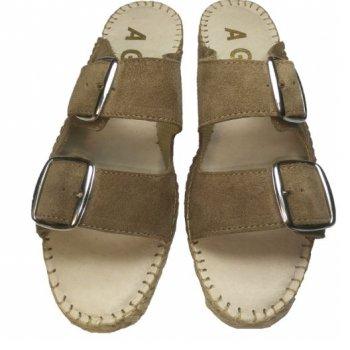 sandália de duas fivelas