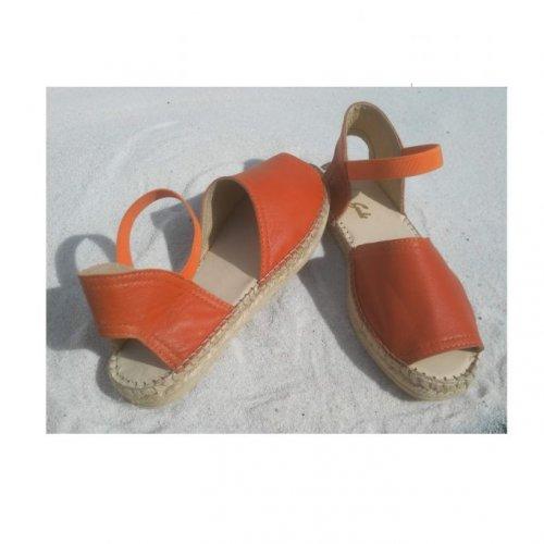sandalete jovem